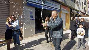 ลอตเตอรี่ขายดีของสเปนกำลังพิชิตรัสเซียและประเทศอื่น ๆ