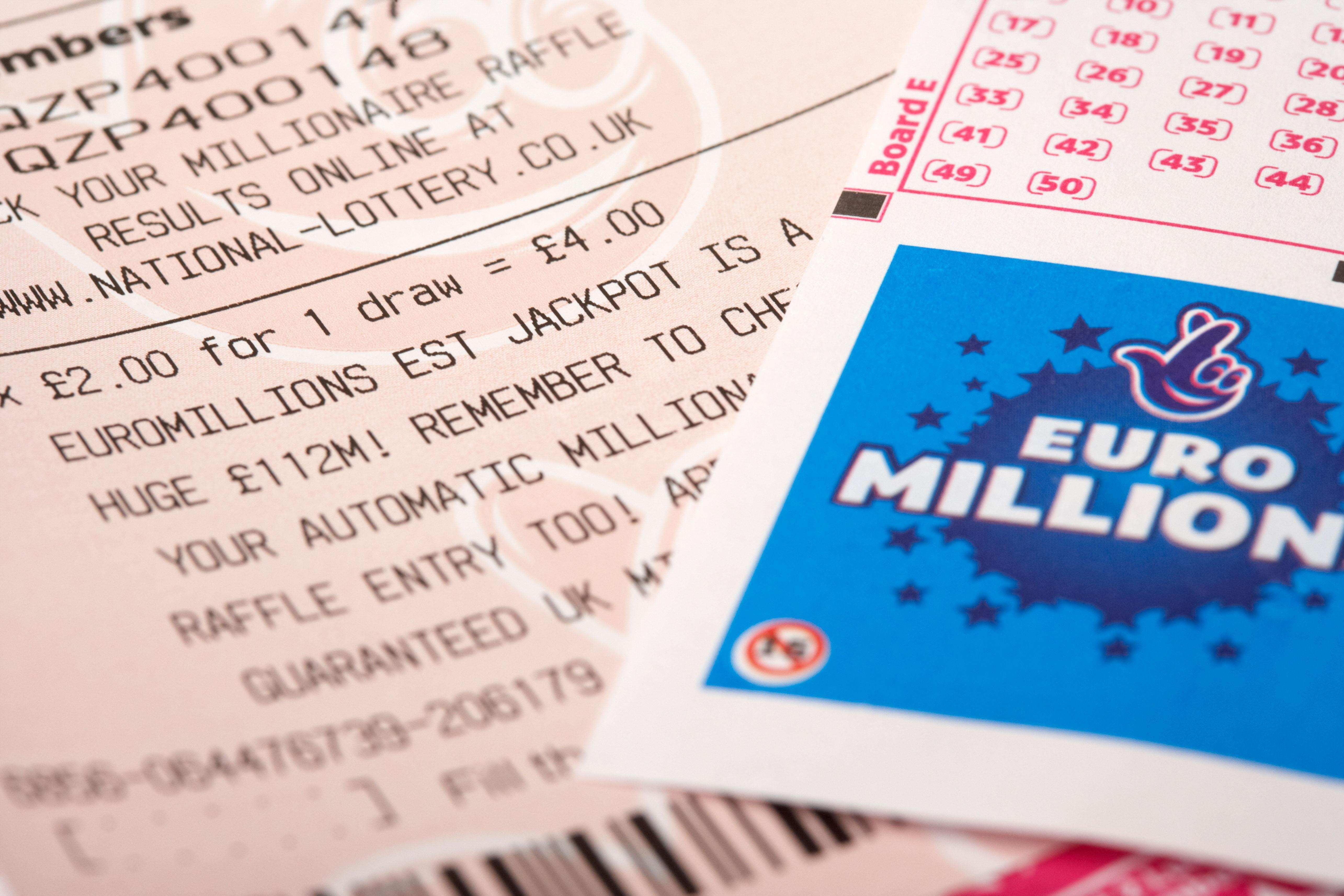 Euromillions results for friday 5th august 2016 - draw 926